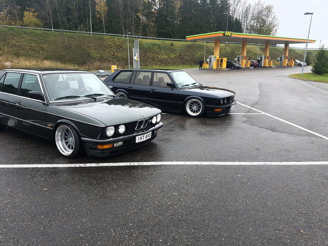 allu_: BMW e28 535i Touring  20161016_023114