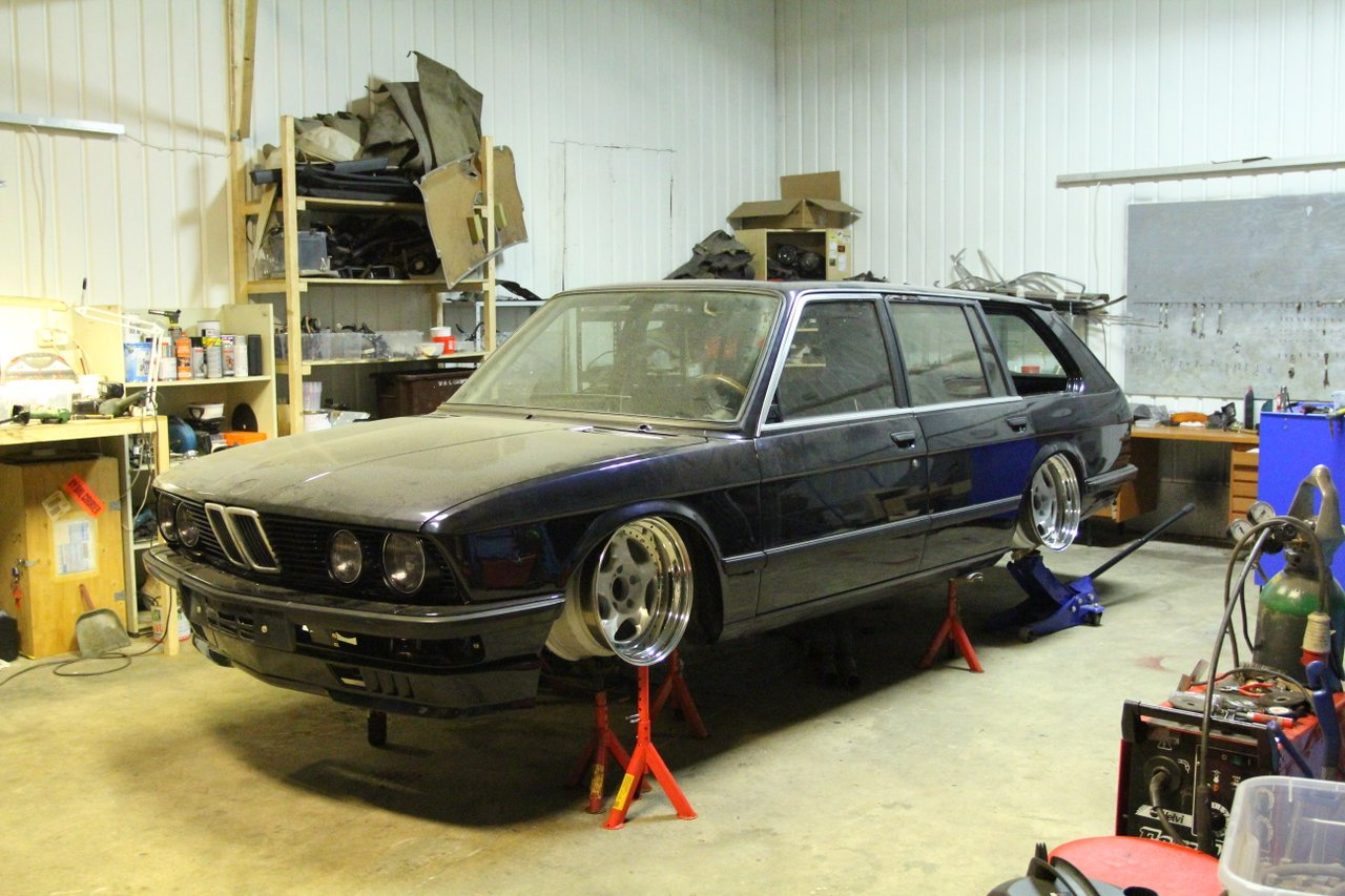 allu_: BMW e28 535i Touring  IMG_9687