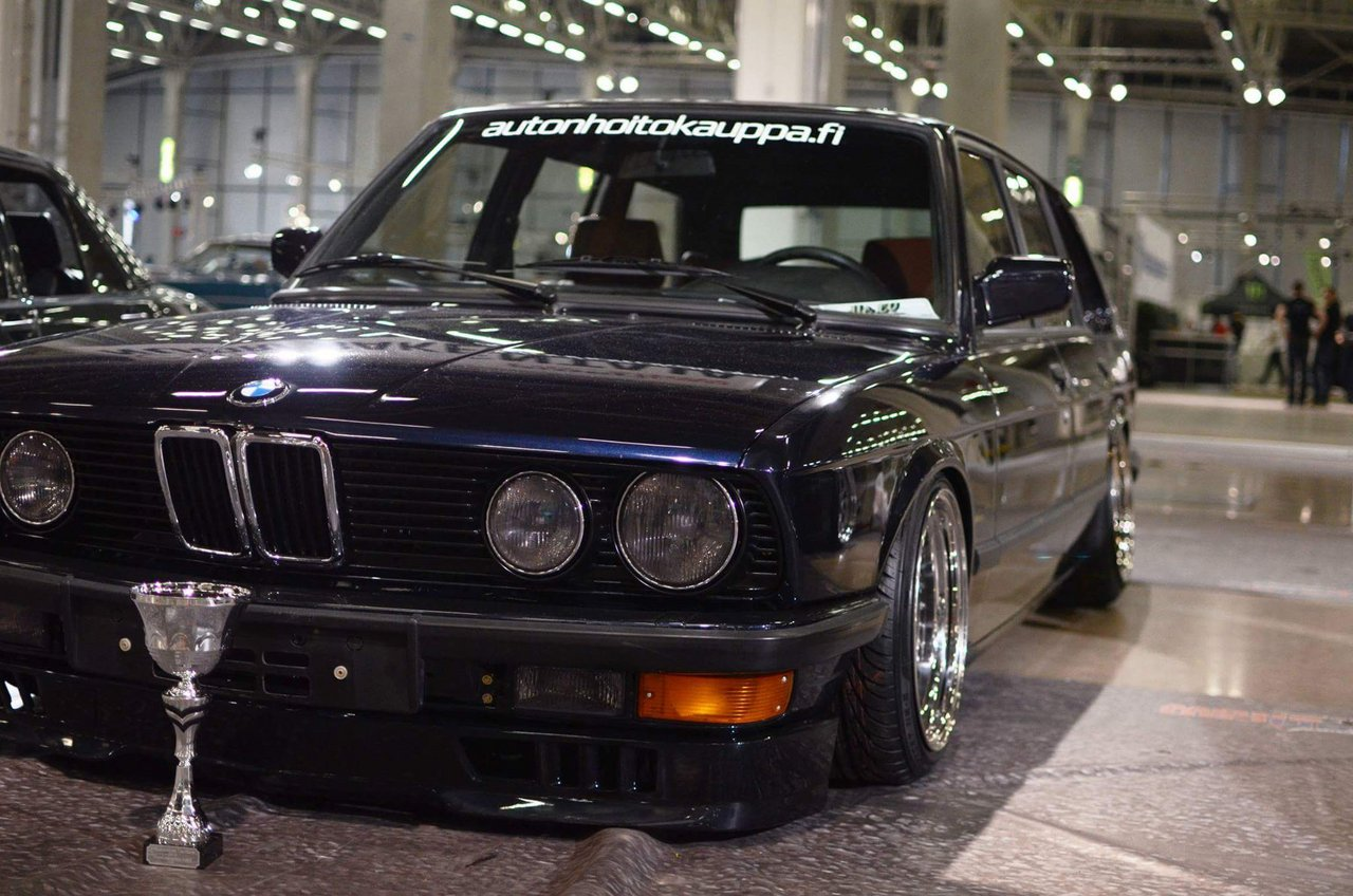 allu_: BMW e28 535i Touring  Received_10207697026876809